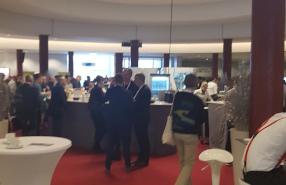 Foyer der Stadthalle in Bielefeld mit OMKB 2019 Teilnehmern